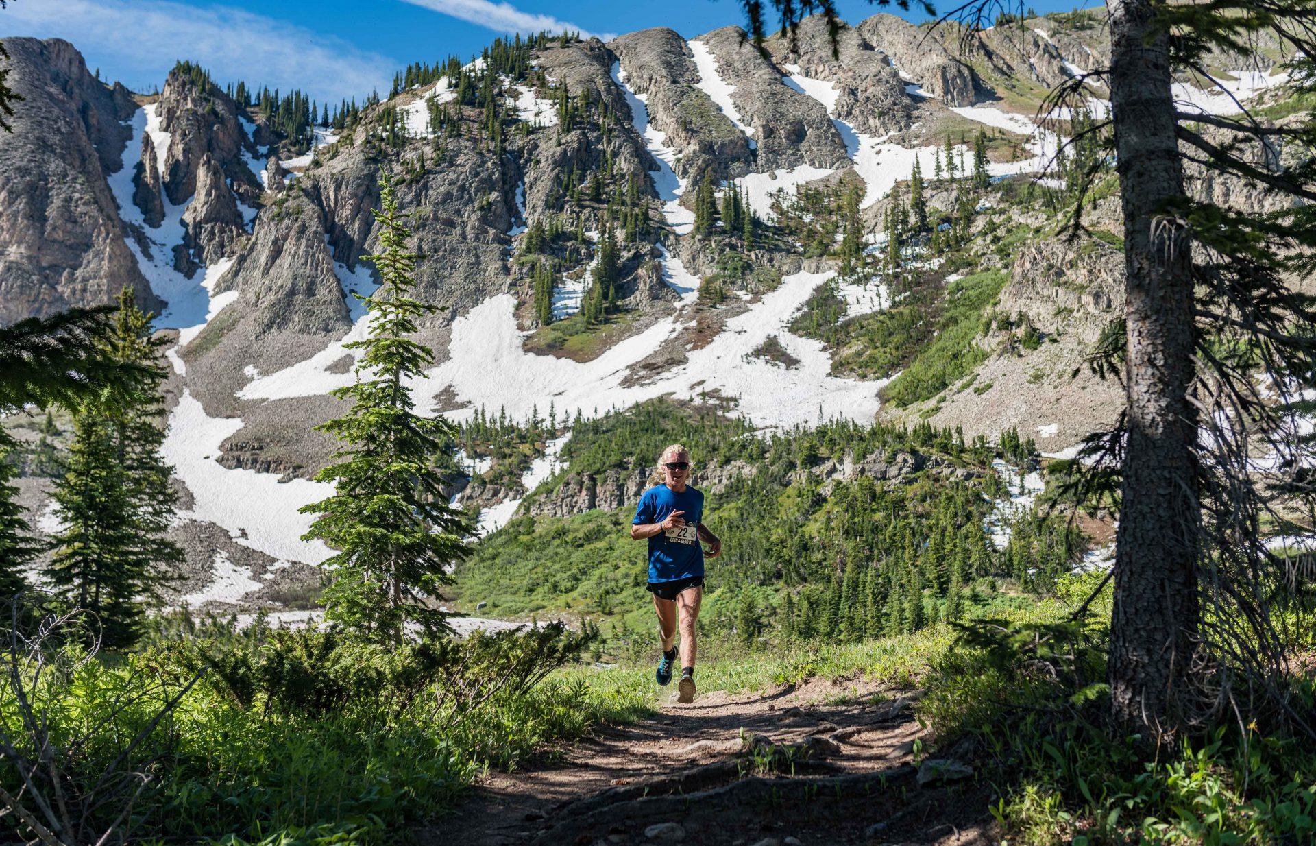 Grin & Bear It runner on course near Crested Butte